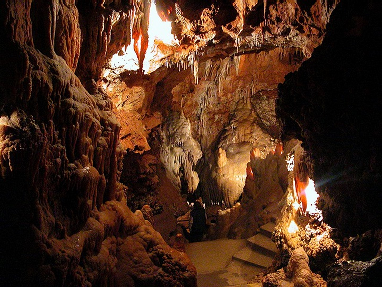 Grotte des Audides ( St Vallier de Thiey)