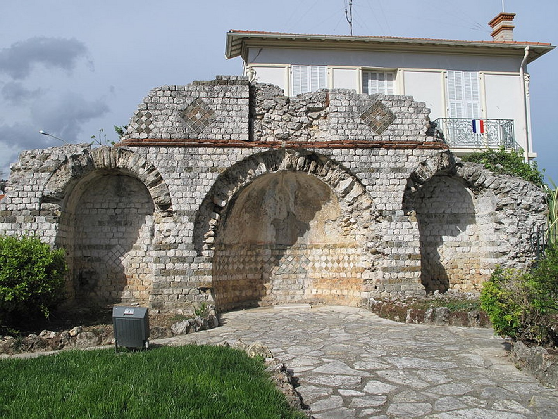 Mausolée de Lumone à Roquebrune Cap Martin