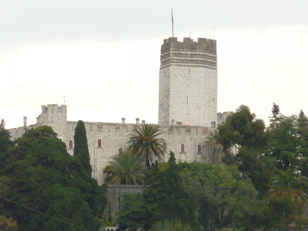 forteresse medieval villeneuve loubet