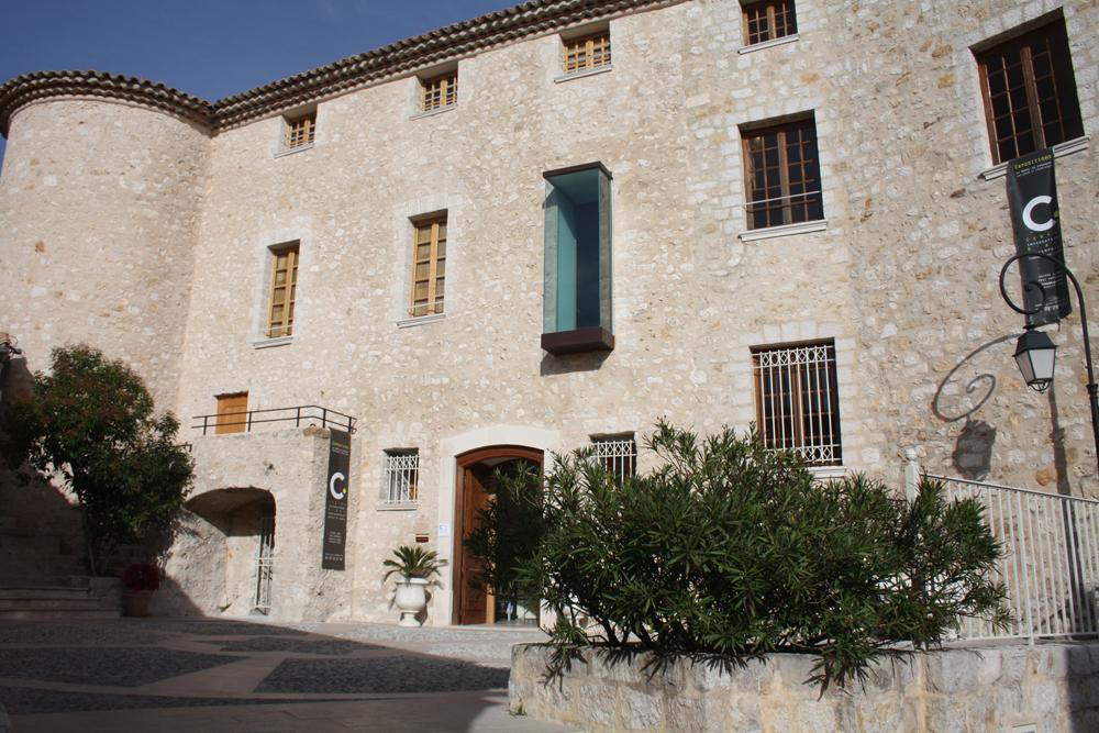 Le CIAC – Centre international d'art contemporain à Carros Village
